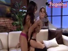 a sexy dark brown seduces her mom716s lesbo ally