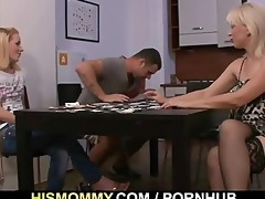 he is finds his gf and mamma fucking every other