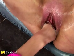 playgirl fisting a perverted mature nympho