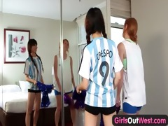 dilettante lesbo fingering and squirting