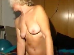 lesbo granny act with dildo