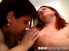 lesbo big beautiful woman toy fucking hotties