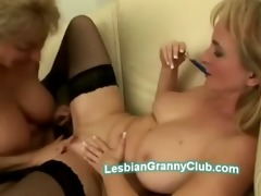 golden-haired d like to fuck in nylons uses her
