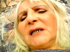 granny widening her hirsute beaver