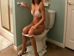 dark brown pooping in throne room