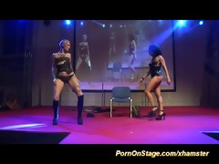 lesbo fisting on show stage