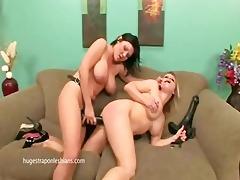 lesbian babes belt it is on