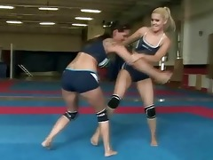 gorgeous sexy lesbos fighting