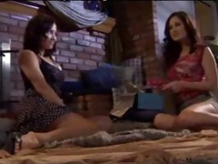 white and lalin girl chick have lesbo sex mrd