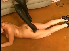 lesbo receives stripped and licks high heeled