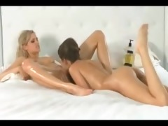 jane hard copulates lustful lesbo beauty with dong