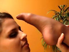 hose lesbo sniff 4